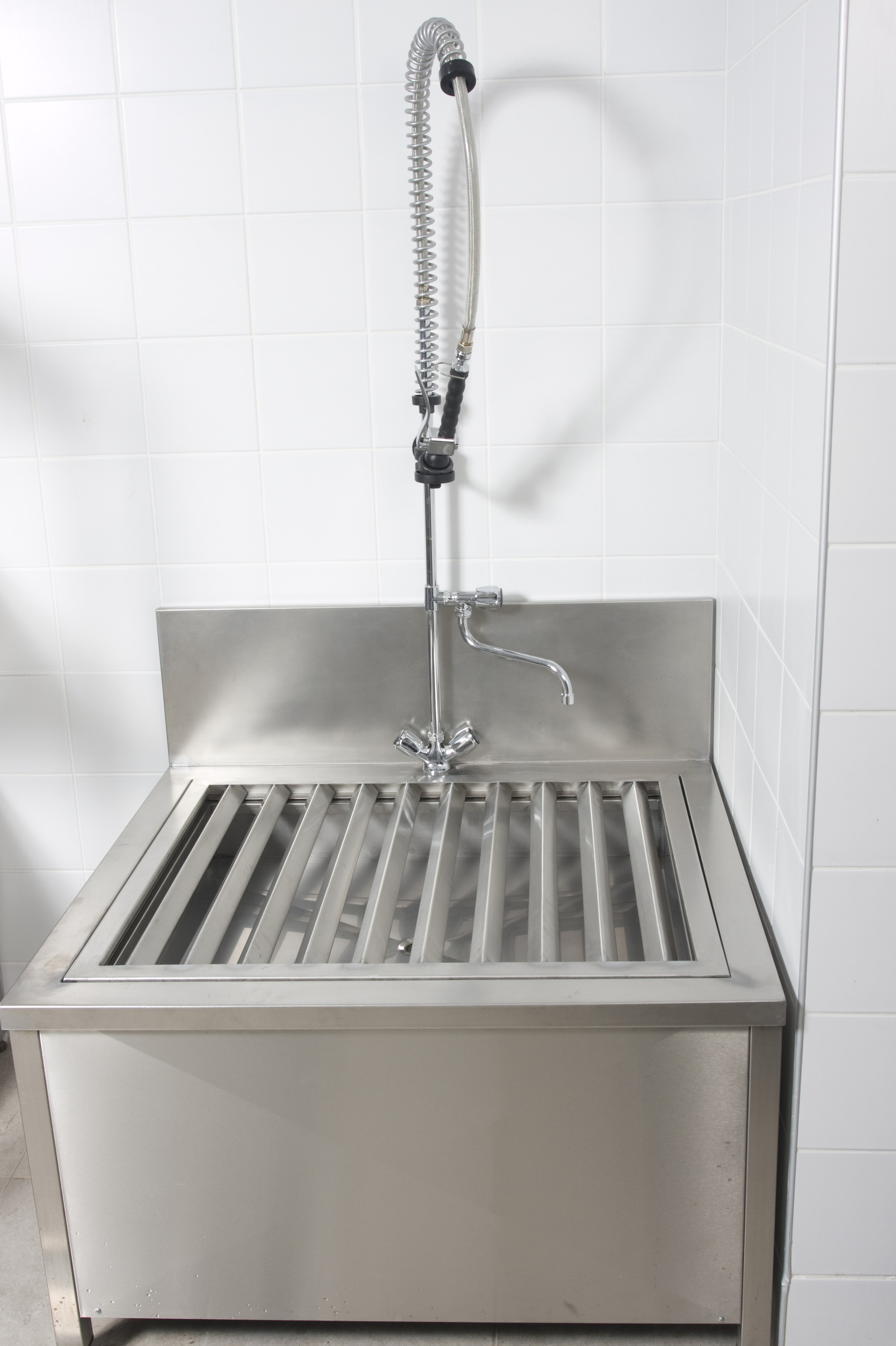 Raised gully sink and Bucket gully sink | Paragon Stainless Products